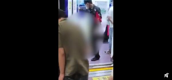 央视网评西安地铁保安拖拽女乘客:不顾女性基本尊严 不通情也不合理