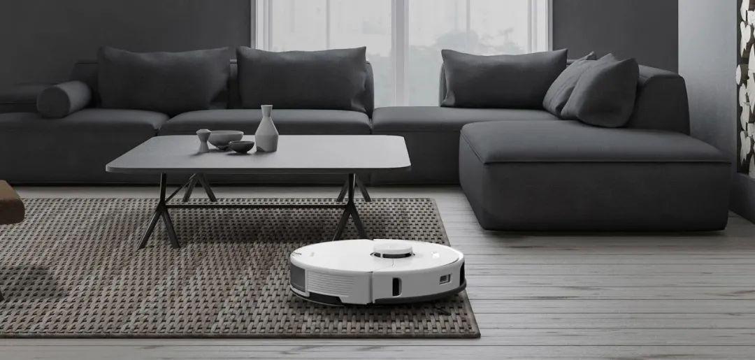 """扫地机器人""""双雄会"""":科沃斯更大,石头科技更美?"""
