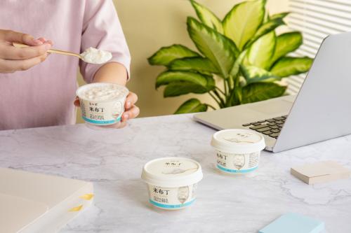 简爱酸奶的增长引擎:用户思维+持续创新