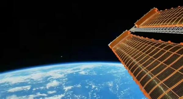 首次公开!感受下中国空间站拍摄的中秋最亮月亮