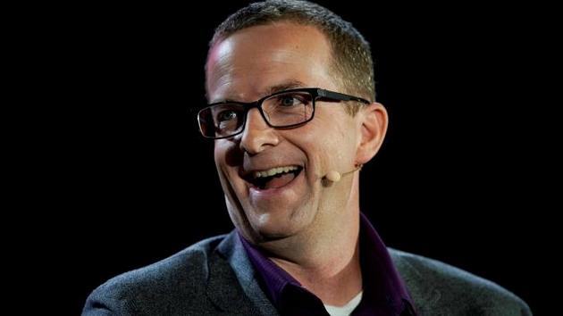 Facebook首席技术官将卸任硬件主管接任