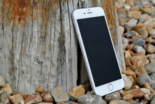 升不了iOS 15的iPhone 5s/6:苹果推送iOS 12.5.5更新