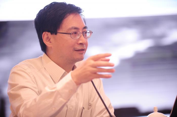 图:《生物多样性与金融稳定》联合研究组共同主席、中国金融学会绿色金融专业委员会主任、北京绿色金融与可持续发展研究院(北京绿金院)院长马骏接受了21世纪经济报道的专访