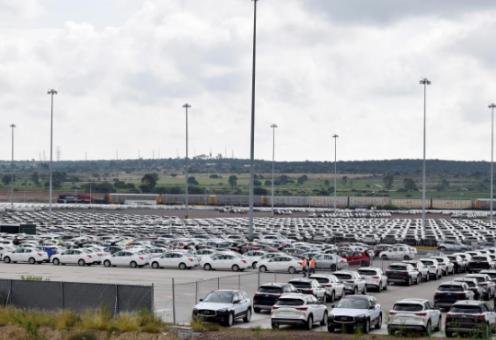 当地时间12月20日,日本汽车制造商日产汽车表示,由于市场环境动荡且具有挑战性,将在墨西哥两家工厂裁员约1000人。